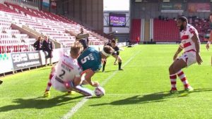 Try of the Week: Ryan Shaw's acrobatic finish helps Hull KR to key win at Leigh