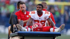 Spencer Ware suffers sprained knee, but Chiefs reportedly believe ACL is intact