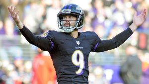 LOOK: Justin Tucker tries to talk the Ravens into attempting a 72-yard field goal
