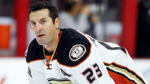 Beauchemin signs for third stint with Ducks