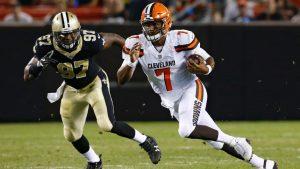 Kizer revives Browns QB debate in solid debut