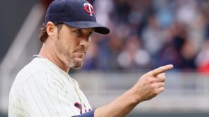 Closer Nathan retiring, to be honored by Twins