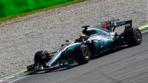 Hamilton overtakes Vettel in Drivers' Championship