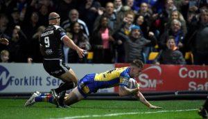 Super League semi-final: Liam Sutcliffe's try puts Leeds Rhinos in Grand Final