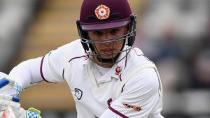 Max Holden: Middlesex batsman extends contract until the end of 2020