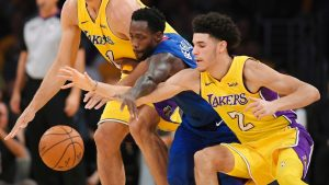 Walton: I thought Lonzo played fine in debut