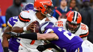At midway point, DeShone Kizer leaves many questions unanswered