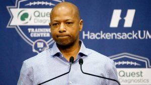 Giants' GM Reese: 'I'm the reason we're 1-6'