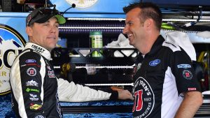 Opinion: Kevin Harvick flips the NASCAR script on Toyota favorites at Texas