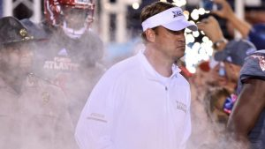 College football winners and losers, Week 12: Wisconsin flexes, Kiffin's redemption