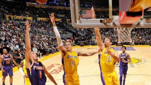 Despite career night from Kuzma, frustrated Lakers fall to Suns