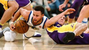 Curry: I spoke with Kobe about injured finger