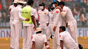 India cricket test players battle on through thick New Delhi smog