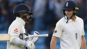 Pint-sized TMS: England build first-innings lead of 128 after second day