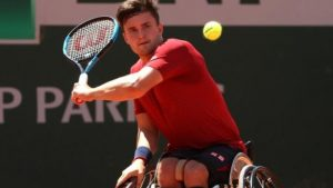 Reid beats defending champion Hewett at French Open
