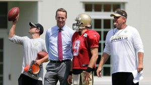 Manning: Brees 'deserves' to break yardage mark
