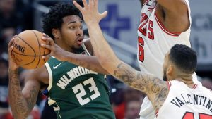 Bucks' Brown sues Milwaukee over arrest