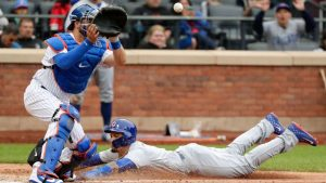 Baez steals home as Cubs finish 6-1 road trip