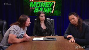 WWE SmackDown results, recap, grades: Unique contract signing, Becky Lynch surprises
