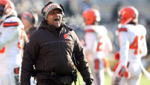 Hue Jackson fulfills his promise, jumps into Lake Erie after Browns go 0-16