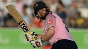 T20 Blast: Paul Stirling steers Middlesex to opening T20 win against Surrey